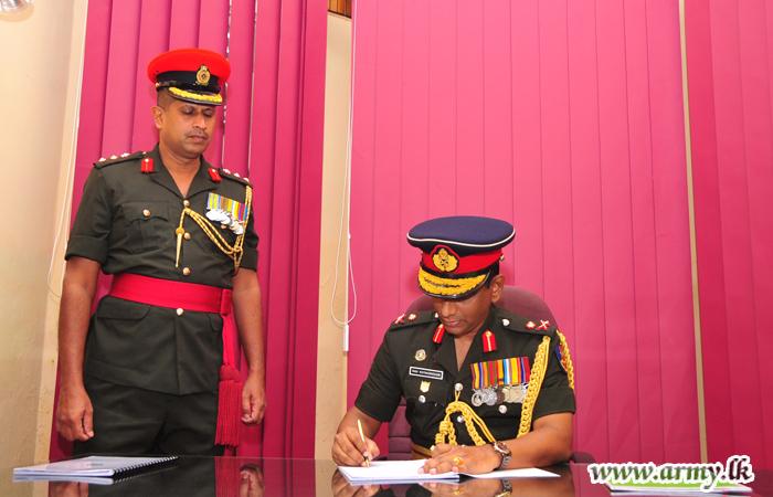 New Colonel Commandant SLAWC Assumes Duties
