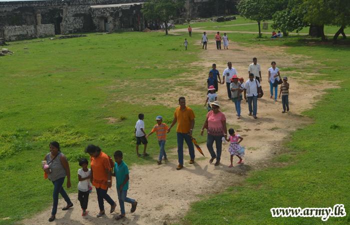 Families of SFHQ-J Officers Visit Jaffna