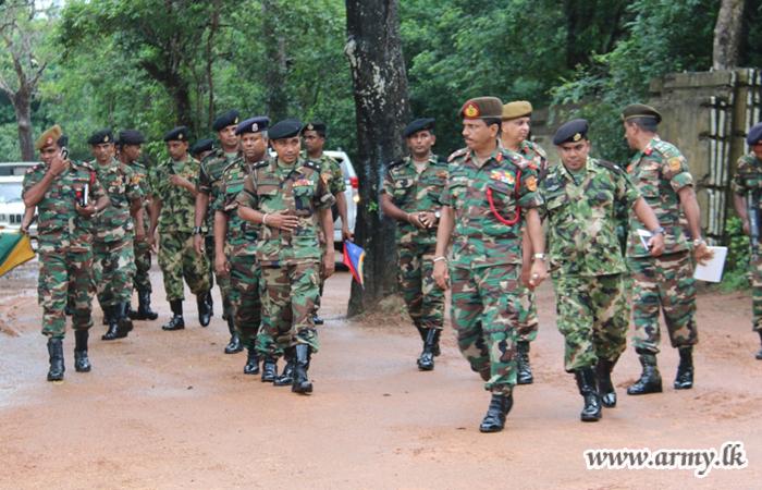 KLN Commander in Battalion Visits