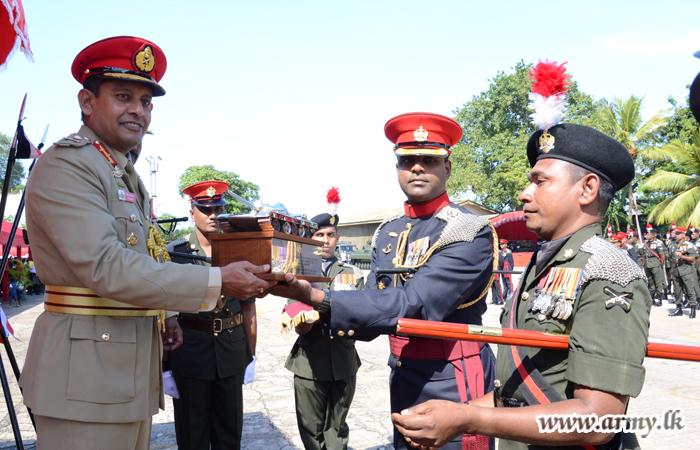 4 Armoured Corps Regiment Adjudged Year's-Best Regiment