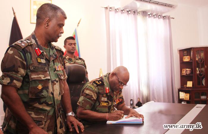 Major General Senanayake, New Jaffna Commander Assumes Office
