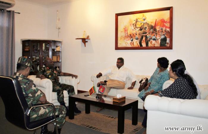 Reconciliation Mechanism Secretary Meets Jaffna Commander