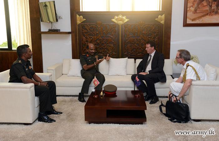 Australian High Commissioner Calls on Commander