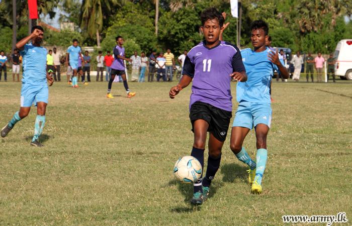 Vadamarachchi & SFHQ-J Footballers Meet at Velvetithurai