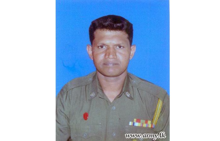 Military Funeral Honours Kosgama - Salawa Blast Victim