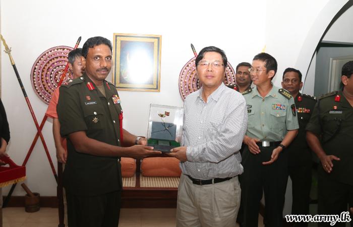 Chinese Ambassador Meets SF-KLN Commander