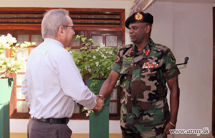 Swiss Ambassador Calls at SF-J Commander