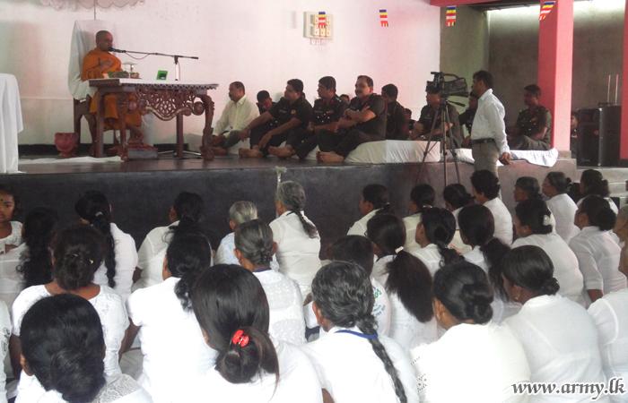 'Ranaviru Apparels' Joins 'Poson' Commemoration