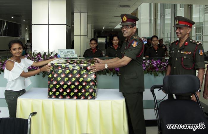 Sri Lankan Expatriates Donate Wheelchairs to Mark Birthday
