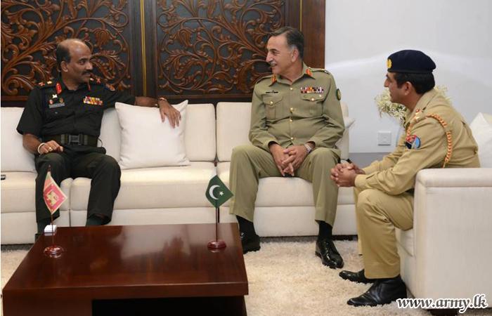 Pakistan's Defence University President Calls on Commander