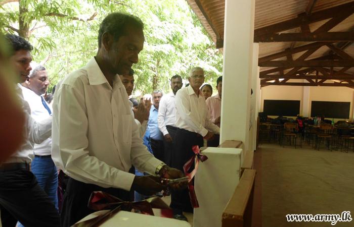 121 Brigade Troops Launch 'Shramadana' Project to Repair School Building
