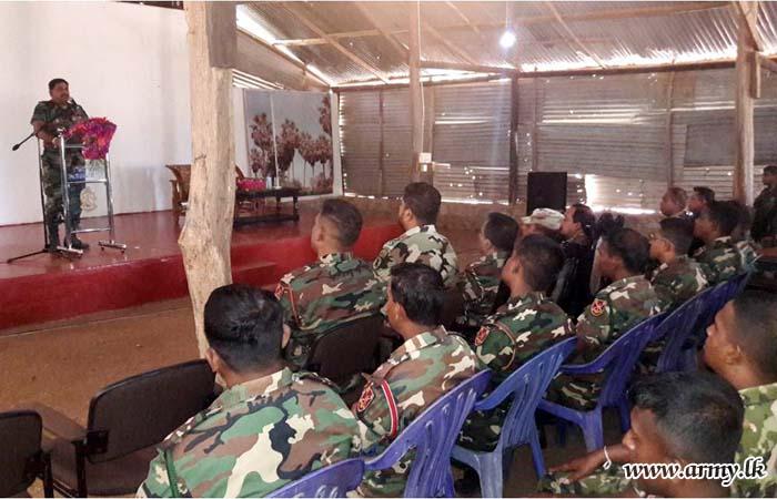 SFHQ-West Commander Visits Katukeliyawa Battalion Training School