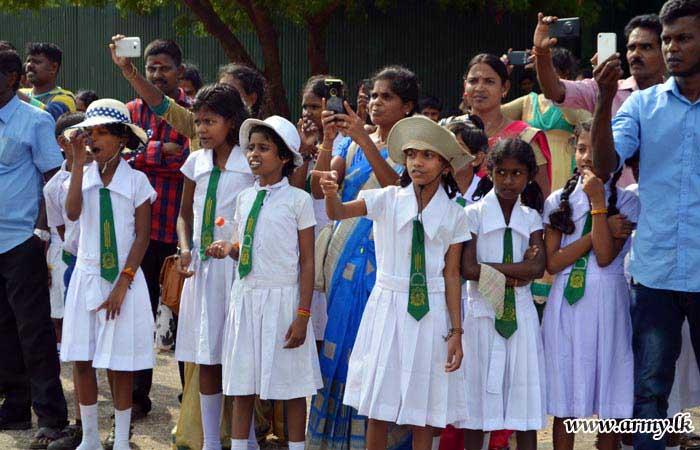 Vavuniya Students Visit Palaly Airport