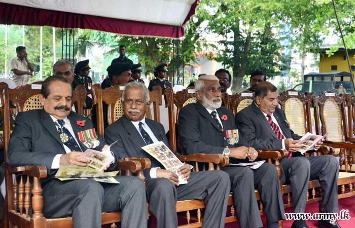 Poppy Ceremony Salutes Fallen War Veterans at Cenotaph