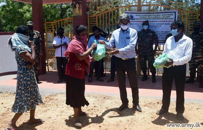 MLT Troops Give Away Free Vegetable Packs