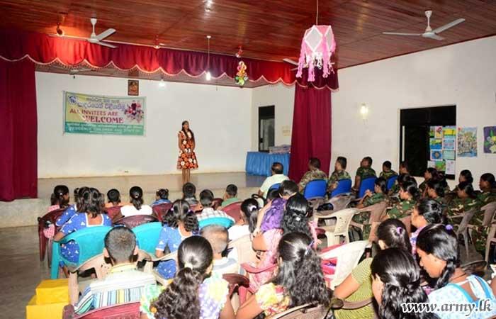 22 Division Troops Donate School Items to Children's Development Centre