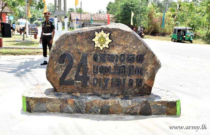 24 Division Troops Garland & Recall Memories of Prof Vipulananda Swamy