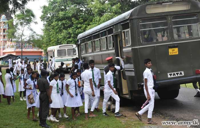 Army-Organized Educational Seminar for Puthukkudiyirippu O/L Students