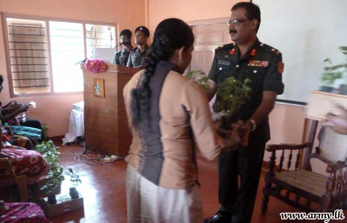 ஆலம்குளம் பிரதேச மகளீர்களுக்கு பயிர்ச்செய்கைக்கான உதவிகள் வழங்கப்பட்டன
