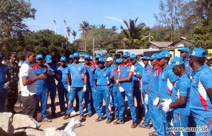 இராணுவத்தினர் கடற்கரை பிரதேசங்களில் சுத்திகரிப்பு பணிகளில் ஈடுபாடு