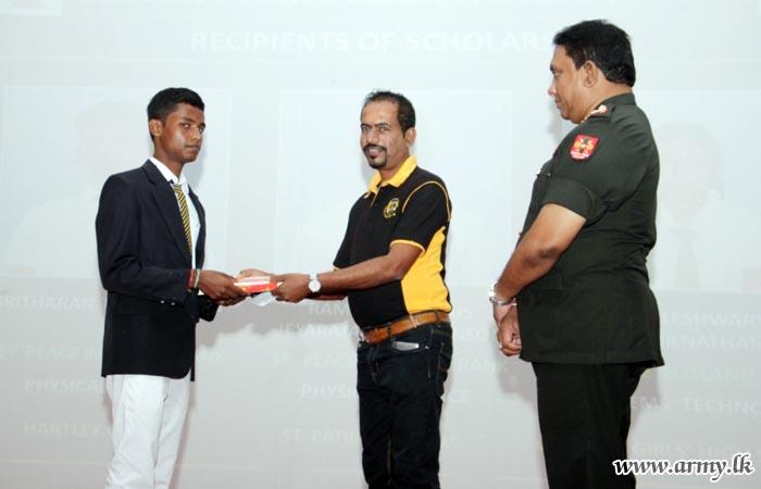 Jaffna G.C.E A/L Achievers Given Financial Incentives