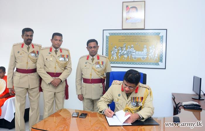 New SLASC Colonel Commandant Assumes Office