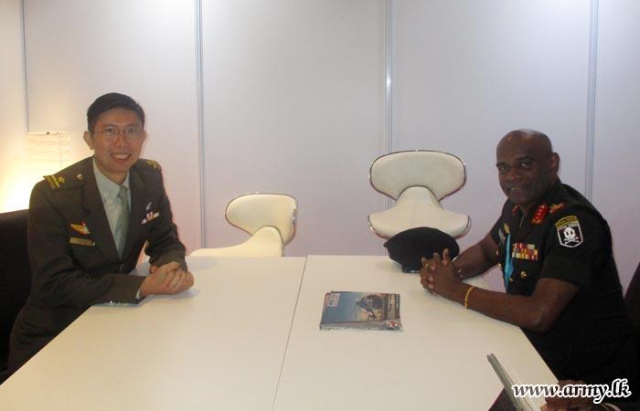 Both Singaporean & Sri Lankan Army Chiefs Meet in Malaysia