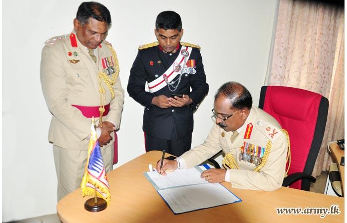 Maj Gen Jayasekera, New Colonel of the Regiment GW