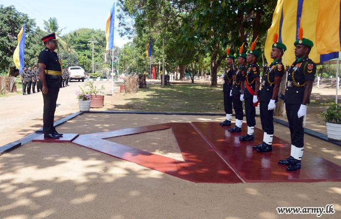 New 14 GOC Visits 143 Brigade & 16 GR