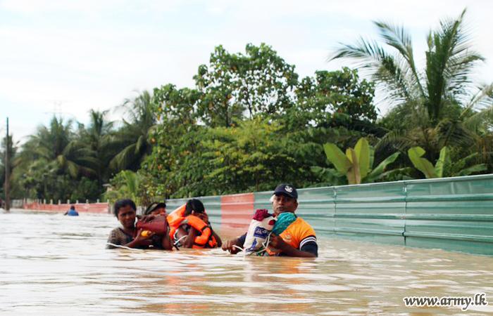 Troops Rescue Hundreds of Flood-affected Tamil Men, Women & Children in Kilinochchi & Mullaittivu Districts