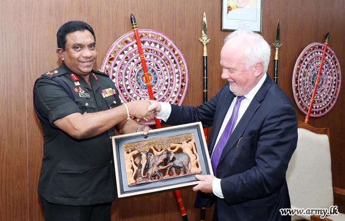 Norway's Ambassador in Jaffna Pays a Courtesy call on Jaffna Commander