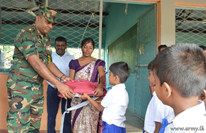 4th Phase of 'Senehe Siyapatha' Gives School Accessories to Students in Kilinochchi