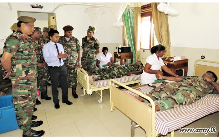 Pooneryn Soldiers Give Blood to Kilinochchi Patients