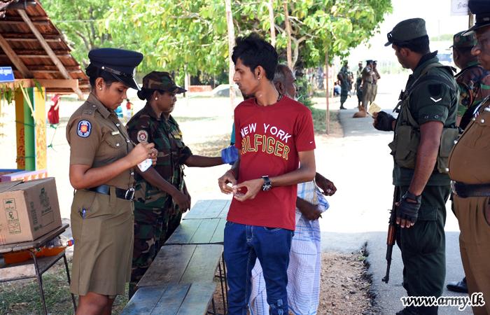 Troops Assure Security for Devotees at Sri Mutthu Mari Amman Kovil Pooja