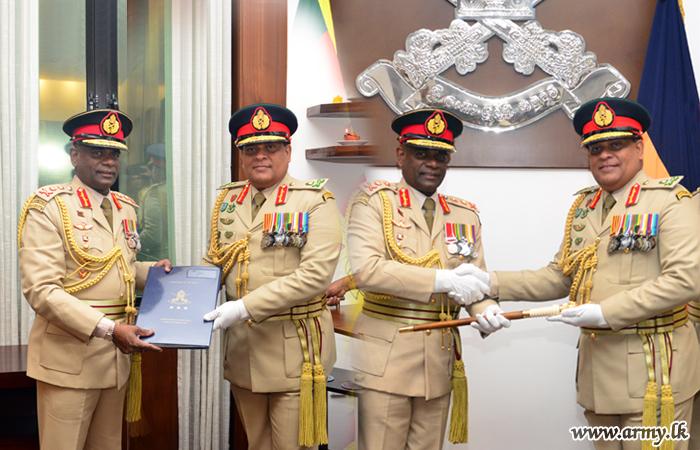 Lieutenant General Shavendra Silva, New Commander Accepts Symbolic Baton from Outgoing General Mahesh Senanayake