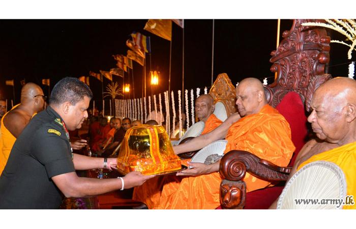நெல்லிகல  சர்வதேச பௌத்த மத்திய நிலையத்திற்கு இராணுவ தளபதி விஜயம்