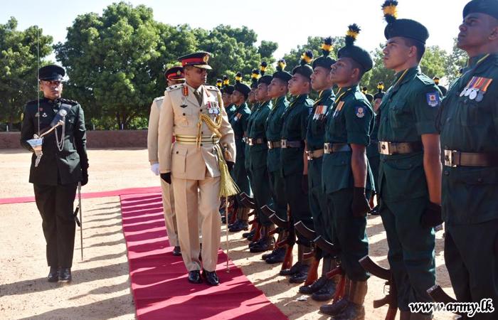 Troops Bid Farewell to Outgoing Mullaittivu Commander