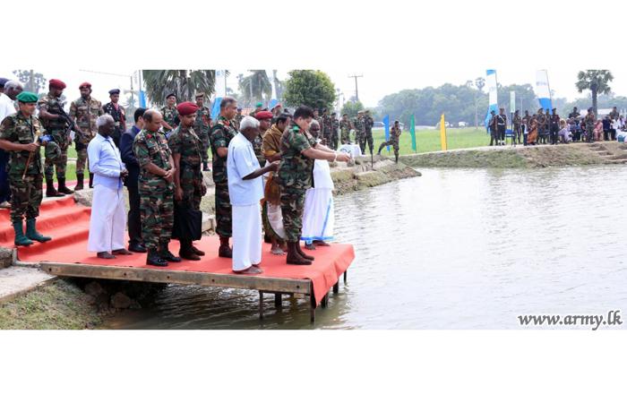 Jaffna Troops Revitalize Unattended 'Periyakulam' Tank & Vest it with Farmers