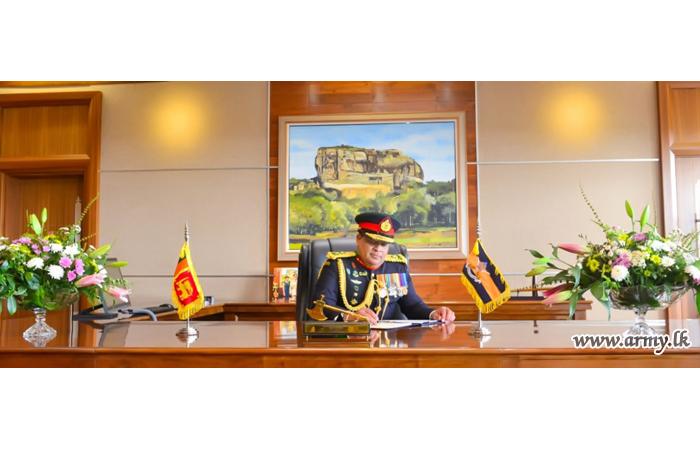Commander Begins His Duties in New Office