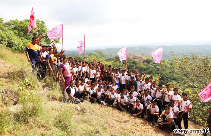 Pinnawala Students Learn About 'Leadership'