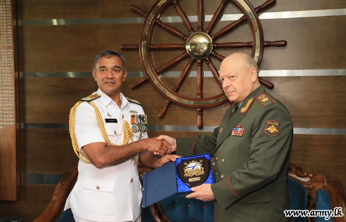 Russian Land Force Commander Calls on Navy Commander