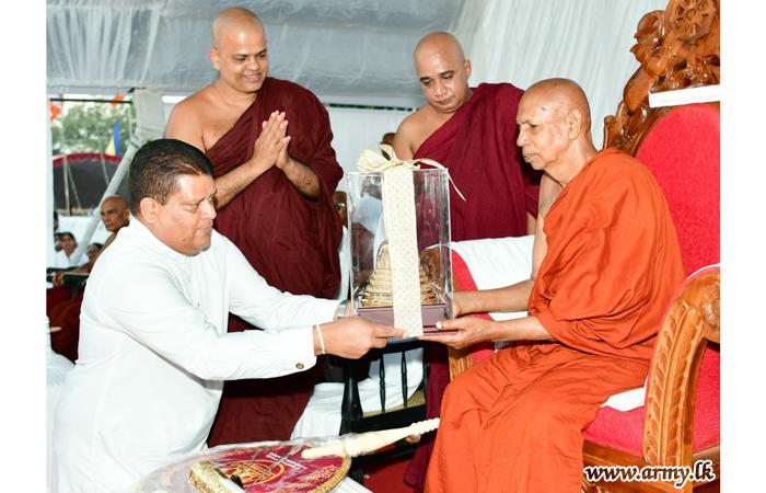 Acting CDS & Commander Inaugurates Mammoth 'Pinkama' at Ruwanweli Maha Seya Offering 'Gilanpasa'