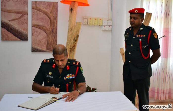 SLCMP New Colonel Commandant Meets 5 SLCMP Troops at Kilinochchi
