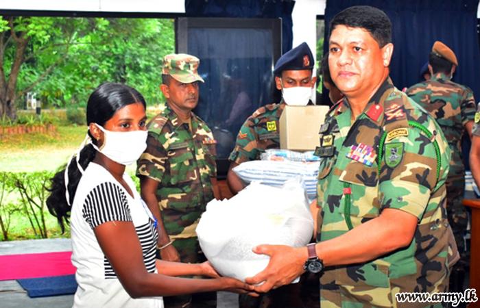 232 Brigade Coordinates Supply of Relief Packs for the Needy in Dehiattakandiya
