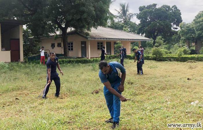 19 SLLI & 20 (V) VIR Troops Join Fight Against 'Dengue'
