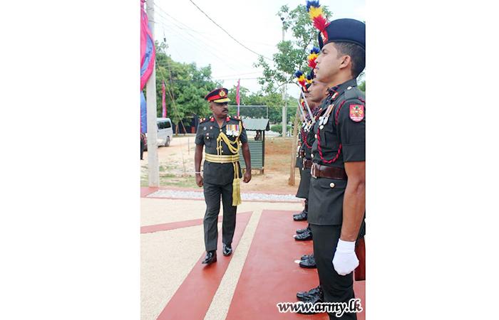 Major General Lakshman Fernando Takes Leave of 5 Sri Lanka Army Ordnance Corps Troops