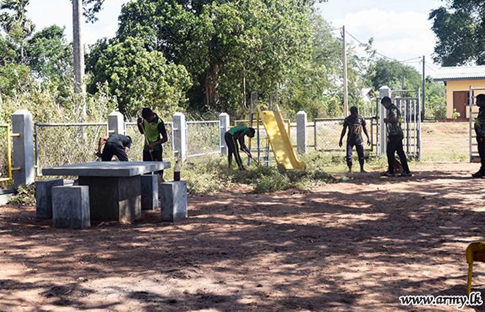 21 SLSR Troops Do Community Work