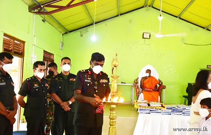 SFHQ-KLN Provides Stationery Packs to Buddhist Monks at Galkanda Pirivena