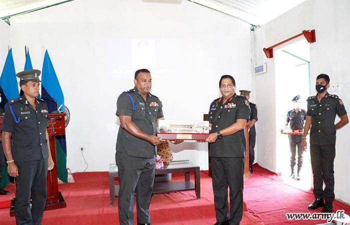 SLSC Colonel Commandant Visits 5 SLSC HQ