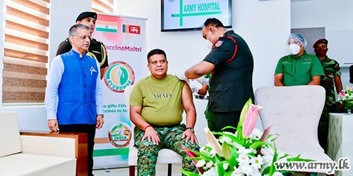 Demonstrating True Leadership Traits, General Shavendra Silva Gets His COVID-19 Vaccine